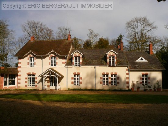 vente maison BOURGES 11 pieces, 308m